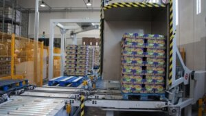 Online fully automatic pallet packing solution consisted of pallet wrapper and pallet inverter