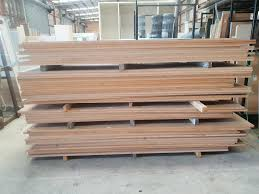 Large MDF bundle are commonly wrapped by stretch wrap machine