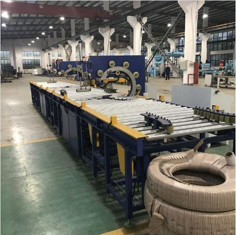 Automatic inline tyre stretch wrapping machine